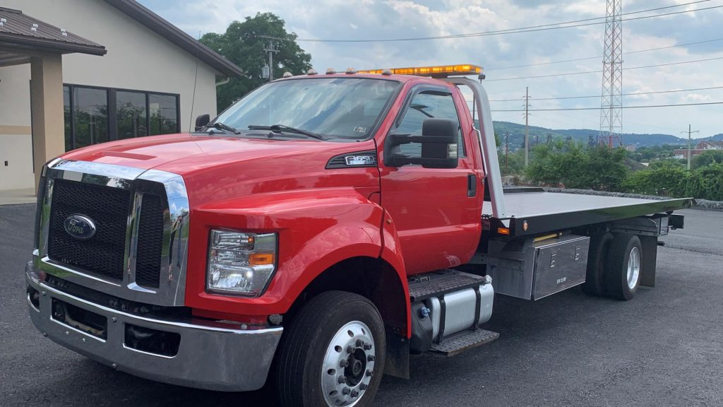 east penn truck equipment, used inventory, 2016 ford f650, chevron series 10