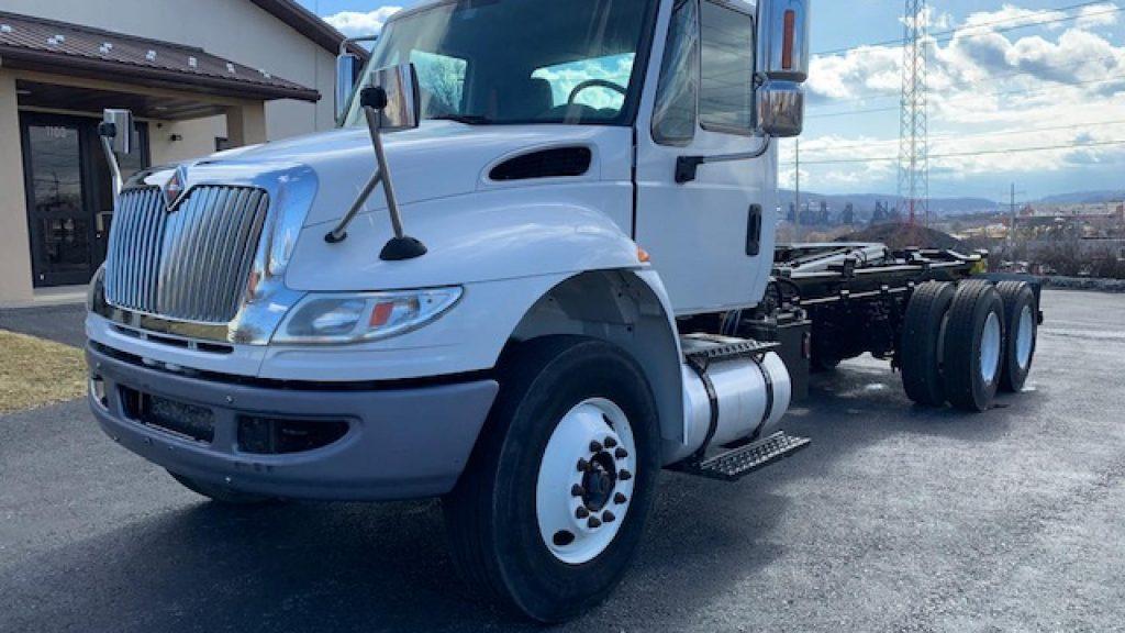 east penn truck equipment, used inventory, 2011 international, navistar durastar, ampliroll hook lift hoist